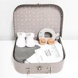 Kraamcadeau koffer met naam (grijs)