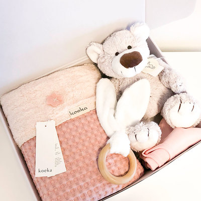 KOEKA Kraampakket met naam wiegdeken (roze)