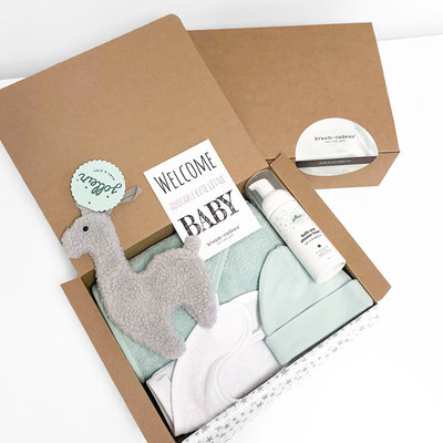 Kraamcadeau box met naam (mint)
