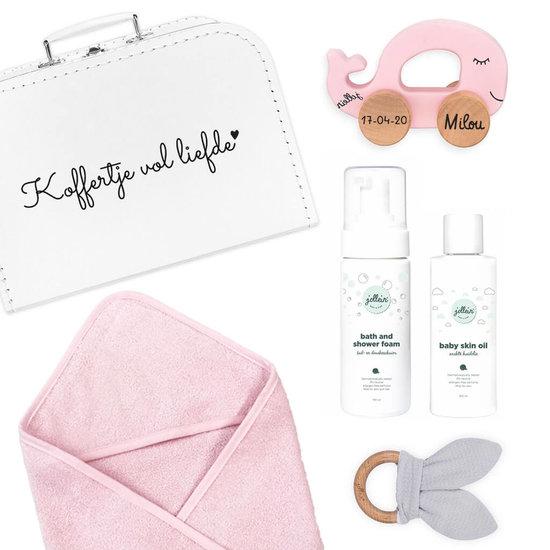 Kraamcadeau koffer met naam (roze)