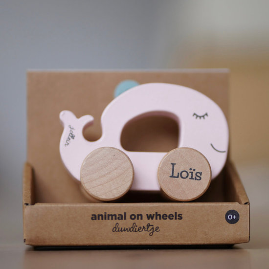 Speelgoed auto met naam - Sea animal (roze)