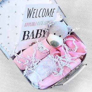 Kraampakket koffer met naam 20cm (roze)